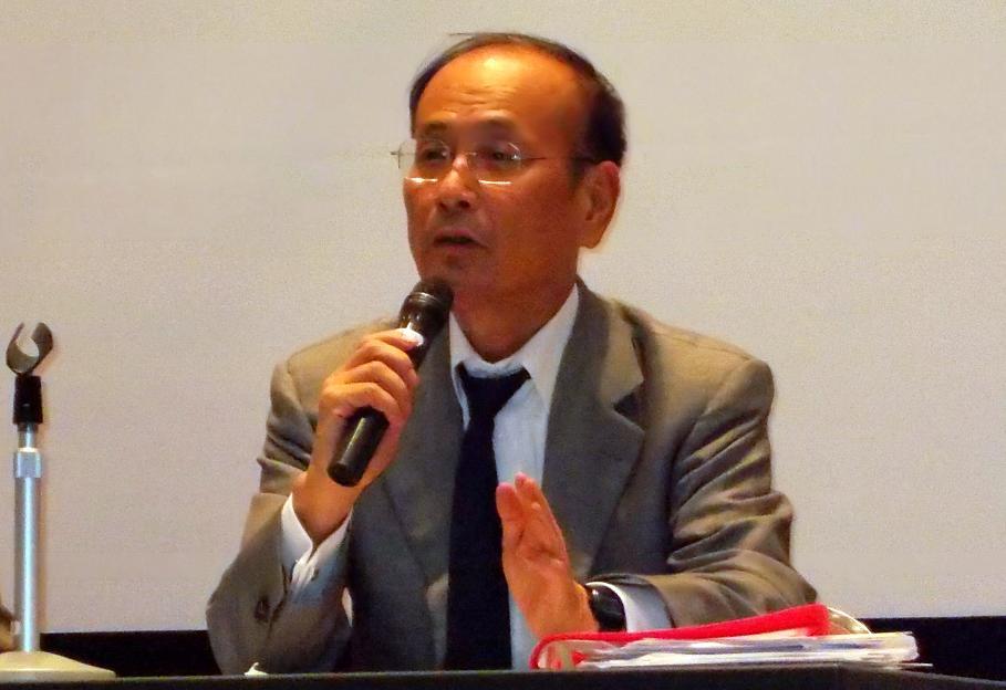 孫崎享氏。2012年11月2日、東京都千代田区で。