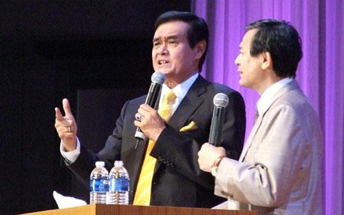 説教するニコ・ニジョトラハルジョ氏=13日、国立京都国際会館で<br />