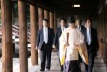 安倍首相、靖国神社を参拝 米が異例の批判声明 高校時代の元教師「やってはならないこと」