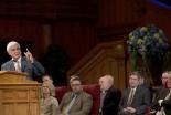 """キリスト教弁証家ラビ・ザカリアス氏「""""相対主義""""と""""モラルの喪失""""に立ち向かおう」 モルモン教寺院で3500人前に講演"""