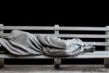 """受け入れ拒まれていた""""ホームレスのイエス像"""" 引き取り教会見つかる 反対の声も多数は歓迎"""
