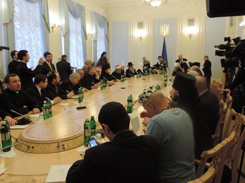 全ウクライナ教会・宗教団体協議会の会議の様子=3日、キエフ・ソフィア博物館で(写真:ウクライナ宗教情報サービス提供)