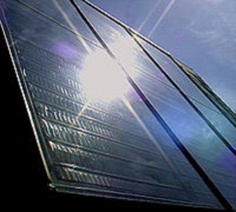太陽熱の集熱パネル(写真:Walter J. Pilsak / Waldsassen)