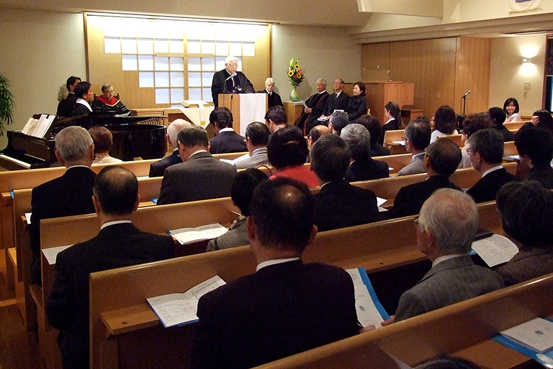 シオン・クリスチャン国際学校(リンウッド・ガイ・ビショップ校長)の開校式が18日、小岩四恩キリスト教会(東京都江戸川区)で行われた。