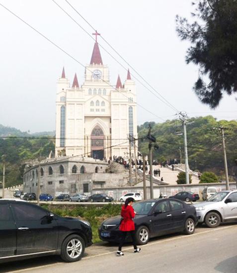 会堂の撤去命令を受けた三江教会(写真:freeweibo)