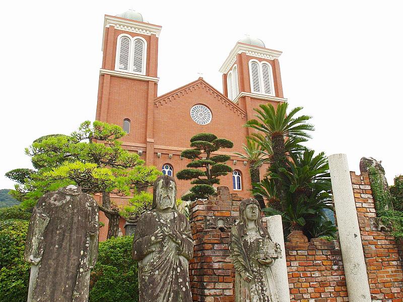 原爆で破壊され1959年に再建された浦上天主堂