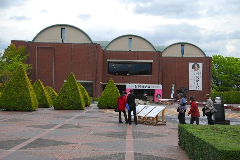 「村岡花子展」が行われている山梨県立文学館=4月22日(写真:行本尚史撮影)