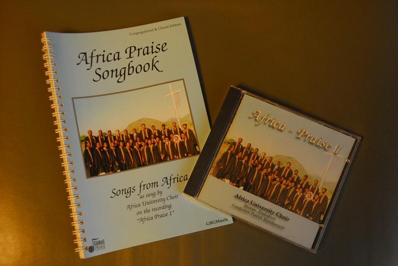 「Africa Praise Songbook」のCD(1995年)と歌集(1998年)