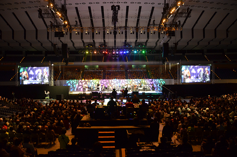札幌市の北海きたえーるで開催されている「北海道・希望のフェスティバル」1日目には約4千人が参加した=9日