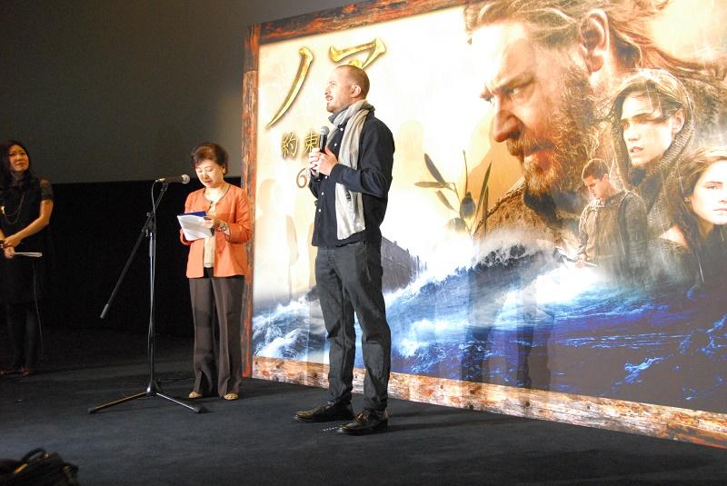 舞台挨拶を行うダーレン・アロノフスキー監督=13日、TOHOシネマズ日本橋(東京都中央区)で