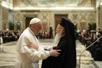 コンスタンティノープル・エキュメニカル総主教とローマ教皇が会談、共同宣言に調印