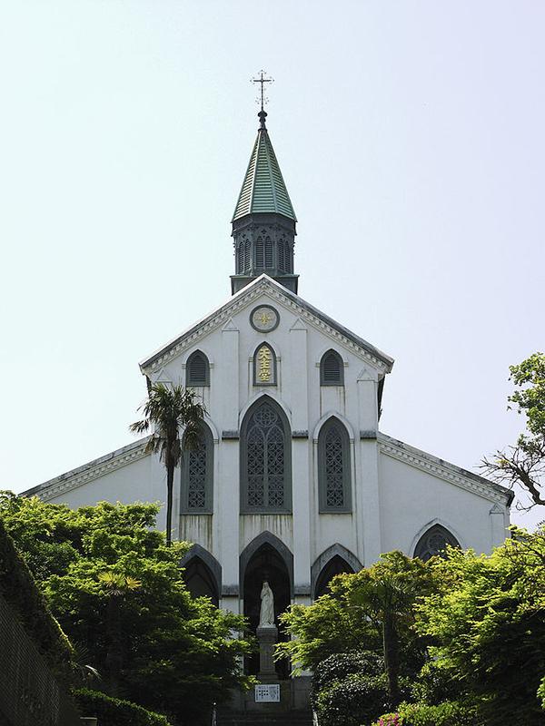「長崎の教会群とキリスト教関連遺産」の構成資産の1つである大浦天主堂