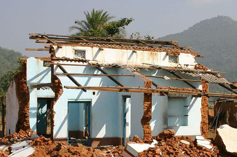 インド東部オリッサ州カンダマル地区で2008年に発生した暴動で破壊された家屋(写真:アント・アッカラ氏提供)