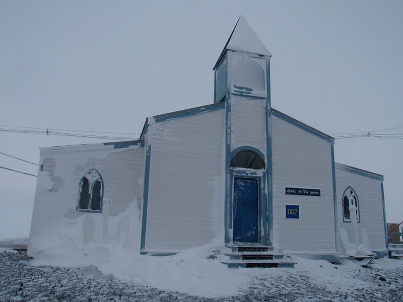 南極のロス島にあるマクマード基地のチャペル・オブ・ザ・スノウズ(雪の礼拝堂(聖堂))(写真:Alan Light)