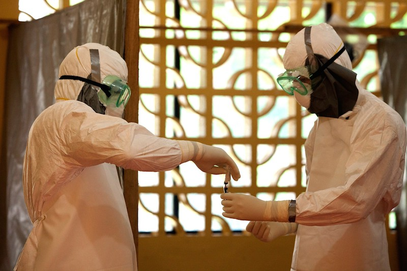 米国の国際的なキリスト教援助団体であるサマリタン・パースがリベリアで設営しているエボラ隔離センター。エボラウイルスに感染した患者に直接医療を行っているという。(写真:サマリタン・パース)