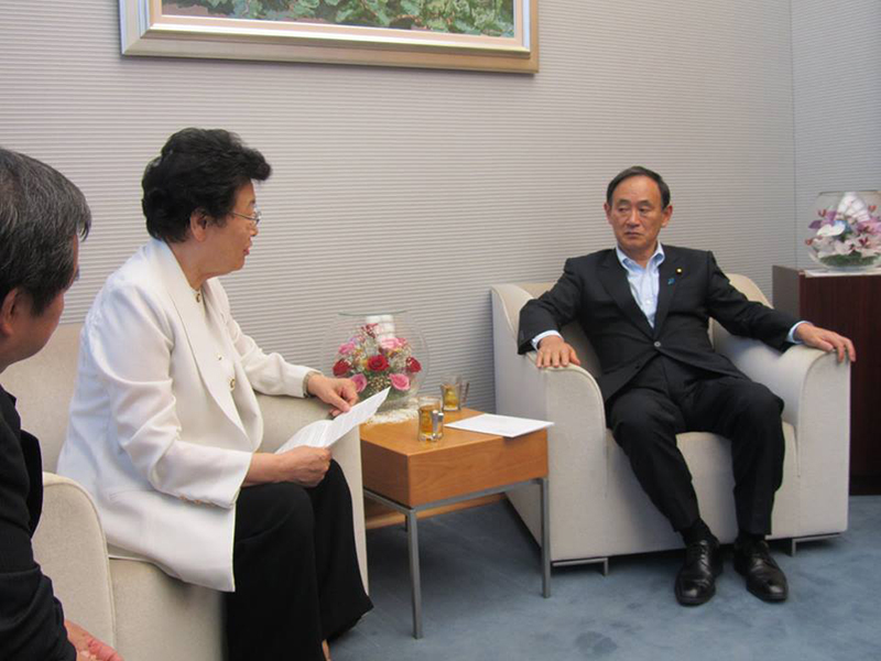 WCCのチャン・サン議長、菅官房長官と会見
