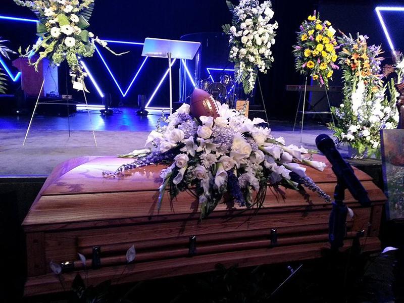 自殺した15歳少年をツィッター上で卑猥だと非難していたバプテスト派伝道者が謝罪