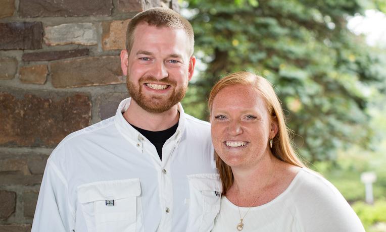 ケン・ブラントリー医師(左)と妻のアンバー夫人(写真:サマリタンズ・パース)<br />