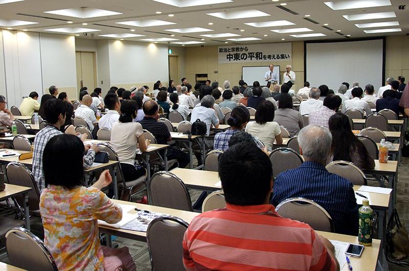 イスラエルの元外交官とメシアニックジューの神学者を講師とした「政治と宗教から中東の平和を考える集い」には約140人が参加した。17日には大阪でも同じ集いが開かれる=14日、東京都千代田区で