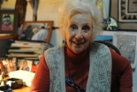 アルゼンチンの教会、死の収容所にいた母親から生まれた孫を見つけた祖母に大喜び