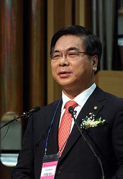 韓国基督教総連合会(CCK)代表会長の候補者に登録したイ・ヨンフン汝矣島(ヨイド)純福音教会主任牧師