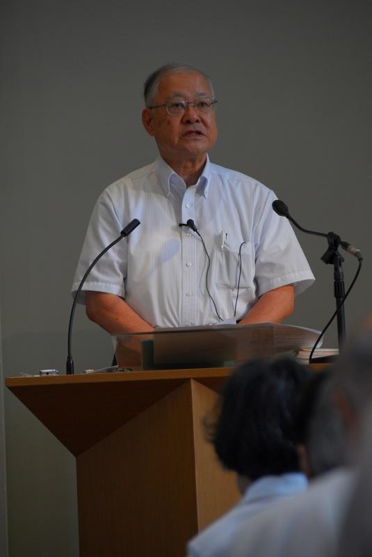 講演を行う稲正樹教授=15日、日本基督教団埼玉和光教会(埼玉県和光市)で