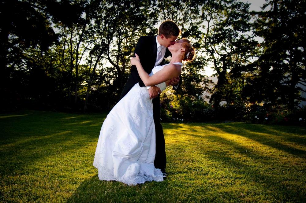 大人数の結婚式と少ない恋愛経験が結婚生活を成功させるカギ 米バージニア大学が新しい研究成果を発表