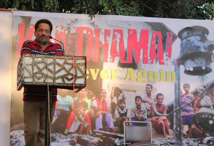 インドの首都ニューデリーの国会議事堂近くで行われた集会で語るアント・アッカラ氏=25日(写真:スレッシュ・マシュー神父撮影、アント・アッカラ氏提供)