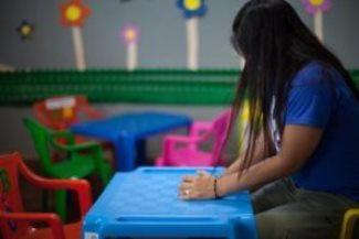 ホンジュラスのサン・ペドロ・スーラでは、本国へ送還された子どもたちが最初に留まる場所は、ACTの加盟団体であるCASMの避難所である(写真:ACT / Sean Hawkey)