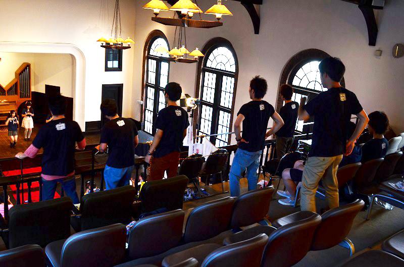 30団体以上が出展「いのフェス」 アイドルグループも参加 「教会へのハードル下げた」の声も