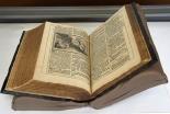 384年前出版のルター訳「メリアン聖書」、ルーテル学院で原本公開