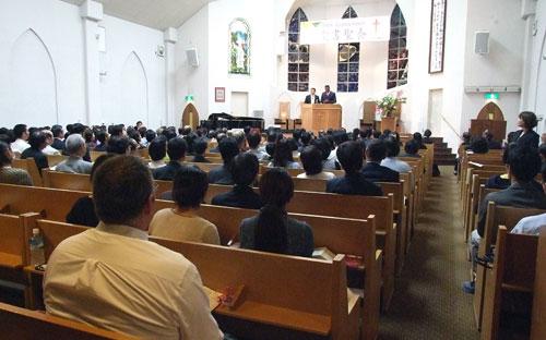 昨年の第4回聖書聖会の様子=2013年10月25日、グレース宣教会・グレース大聖堂(大阪府八尾市)で<br />