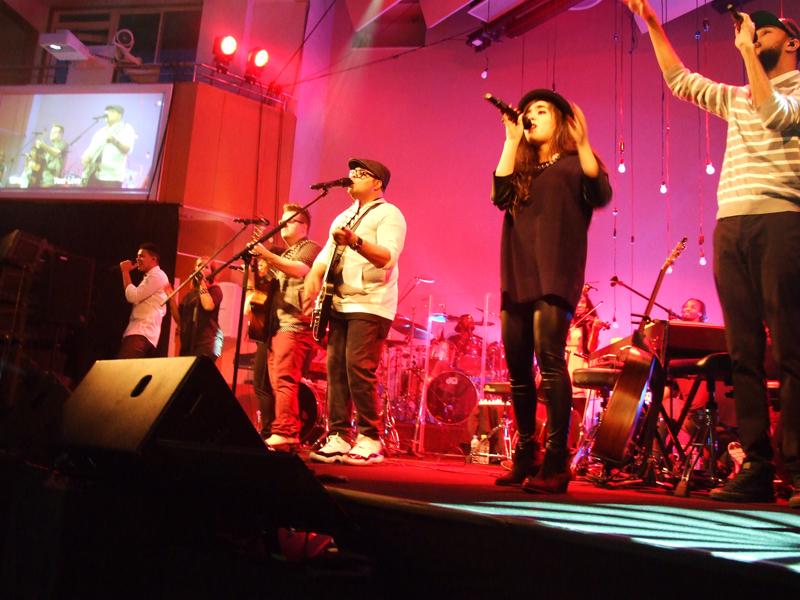 イスラエル・ホートン6年ぶり来日ライブに会場総立ち 来年は武道館でステージに