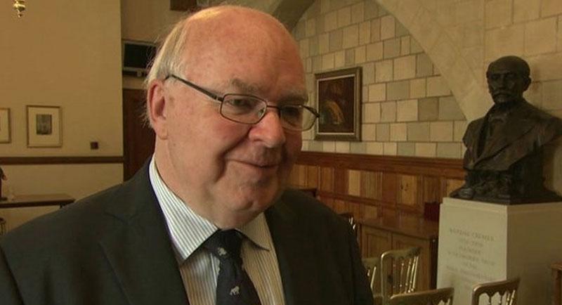 オックスフォード大学のジョン・レノックス教授