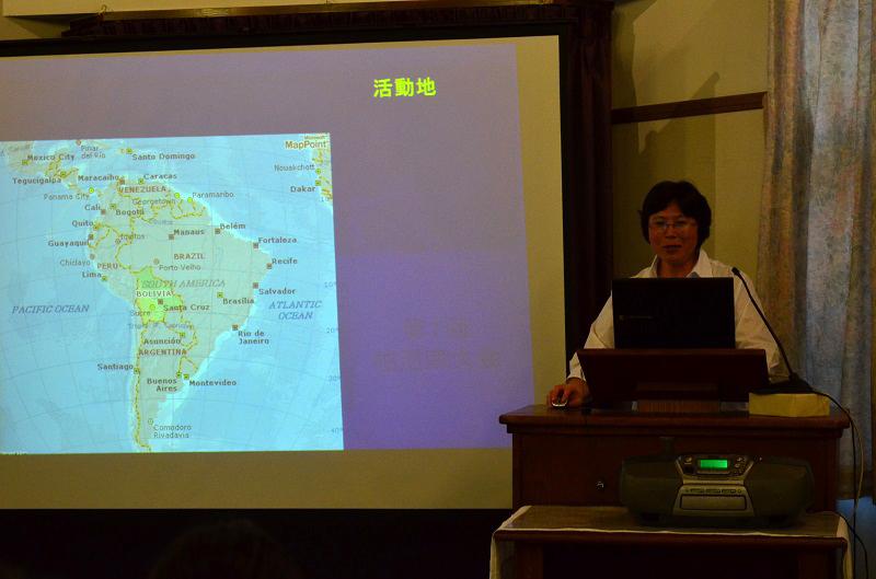 講演を行った小西小百合さん=2日、沼南キリスト教会(千葉県柏市)で