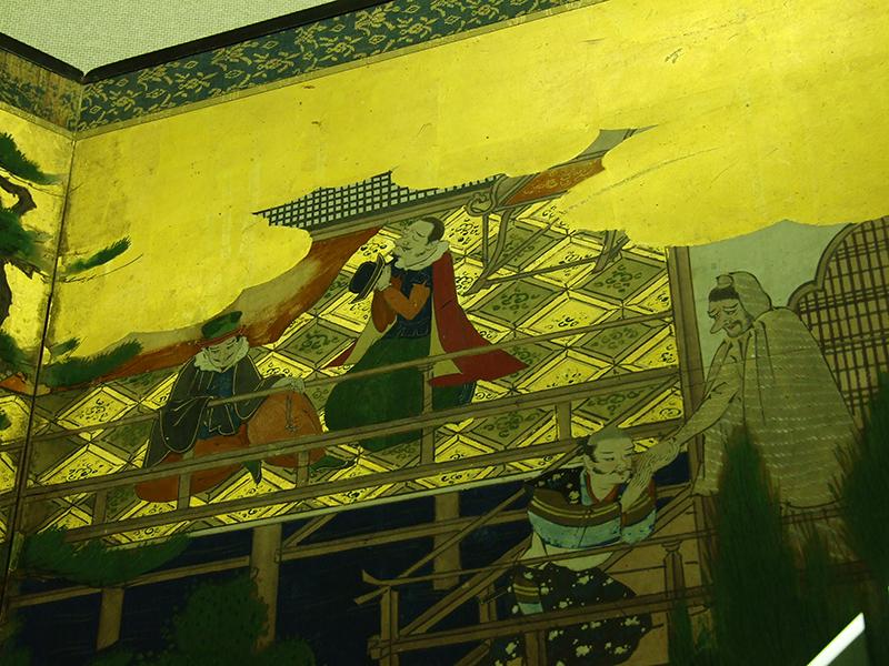 悲しみのマリア、イエズス会宣教師が描かれた南蛮屏風にキリシタン文化への思いをはせる 大阪中津「南蛮文化館」