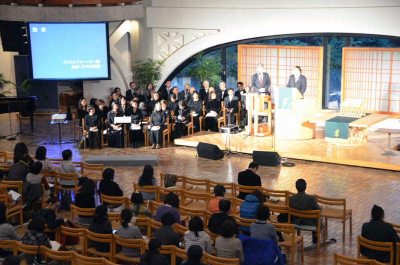 クリストファー・サン氏の講演に耳を傾ける来場者たち=9日、ウェスレアン・ホーリネス教団淀橋教会(東京都新宿区)で
