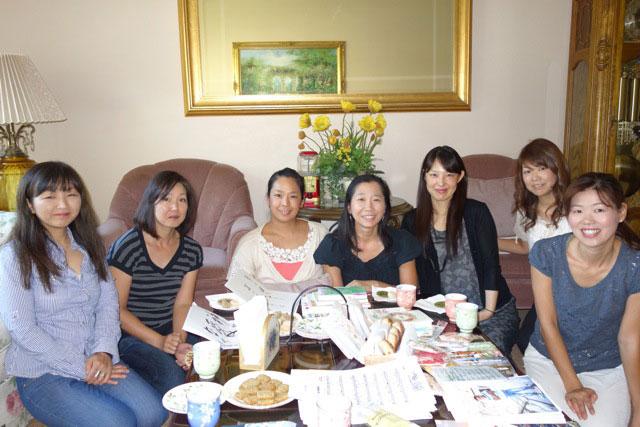カリフォルニア州オレンジ郡のヨーバリンダ市で10年間続いている家庭集会