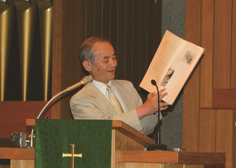 ライデン大学名誉教授の村岡崇光氏(写真:日本聖書協会提供)
