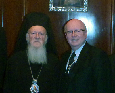 世界福音同盟(WEA)総主事のジェフ・タニクリフ博士(右)と、コンスタンティノープル・エキュメニカル総主教のバルソロメオス1世(写真:WEA)