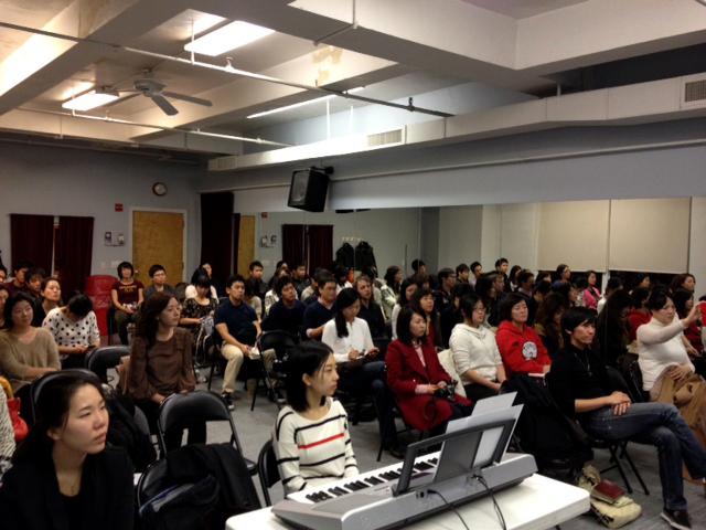 日本人と韓国人が協力して日本人伝道を行うJAKU(Japan and Korea United)と韓国人宣教団体のUPS(Urban Prayer Station)が合同で開催した祈祷会の様子。2012年に続き今回が2回目の開催となった=5日、米ニューヨーク・マンハッタンで