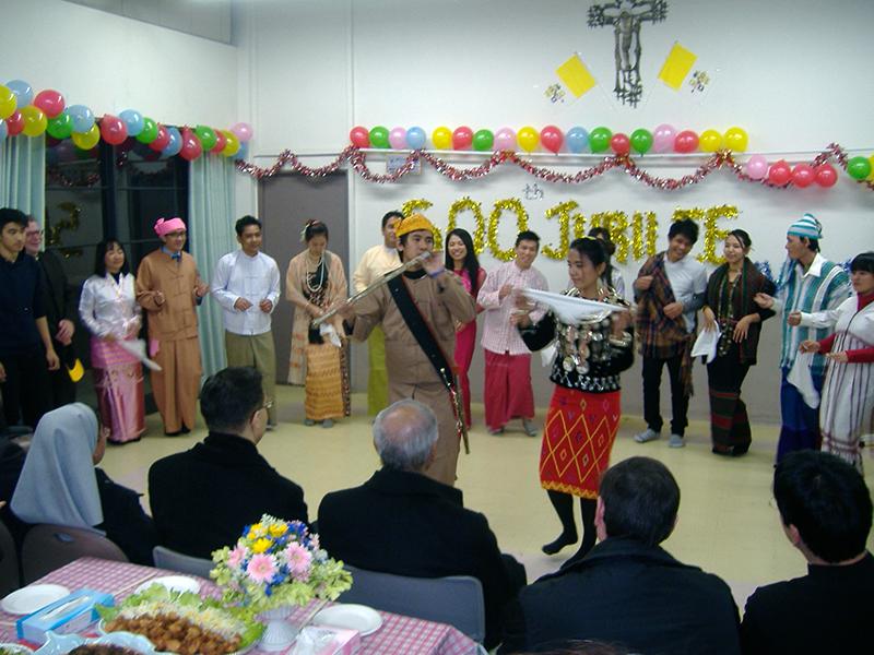 ミャンマー宣教500周年祝う カトリック目黒教会で記念ミサと祝賀会
