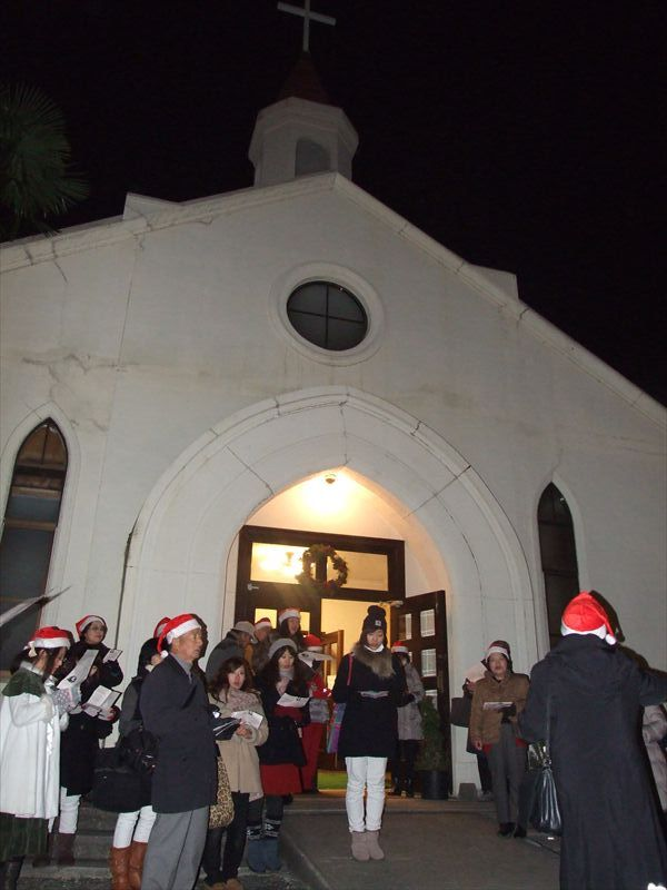 歴史と多様な祈りのつながる町、神戸 夜空に響くクリスマス・キャロルの歌声