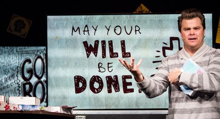 米ニュージャージー州モリスタウンにあるリキッド・チャーチの主日礼拝で、答えられていない祈りについてメッセージを語るティム・ルーカス主任牧師=2013年10月27日(写真:同教会)