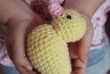小さな黄色いアヒル、世界各地で発見 その裏に隠されたストーリーとは?