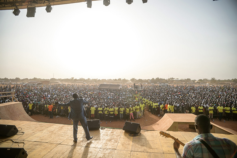 地元の800教会とルイス・パラウ協会が協力して開催した伝道イベントの様子(写真:ルイス・パラウ協会)