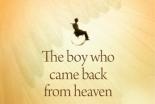 天国に行ったことがあると主張した男の子、聖書を読み物語を撤回 キリスト教書店が店舗から本を撤去