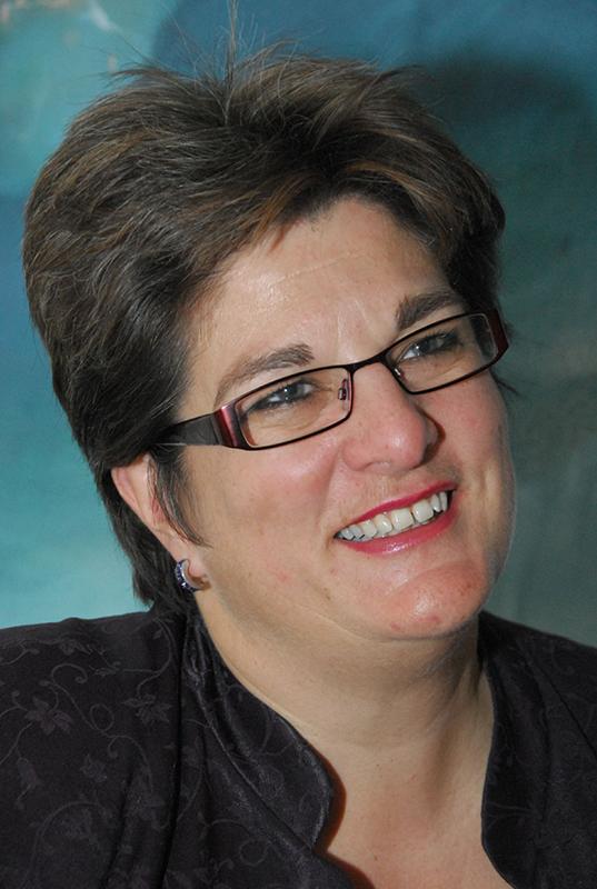 影響力のある英国国教会の福音主義者、同性愛者であることをカミングアウト +ジェーン・オザンヌ氏(