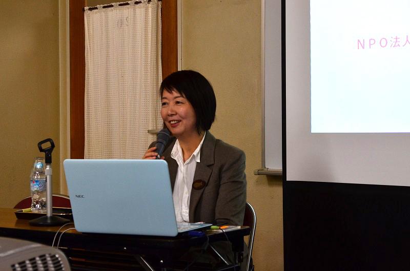 横浜YWCA主催による公開講座「女性と貧困~シングルマザーの現状から~」で話す、NPO法人「しんぐるまざあず・ふぉーらむ」理事長の赤石千衣子さん=1月31日、横浜YWCA(横浜市中区)で