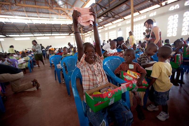 """サマリタンズ・パース、""""希望の靴箱""""を子どもたちへ 世界から1044万箱"""